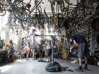 Мастерская WUK в центре Вены, которая позволяет самостоятельно починить велосипед...