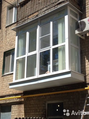 """Балконы (фото) компания """"ваши окна""""."""