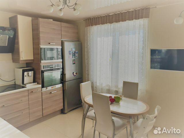 Продается трехкомнатная квартира за 6 300 000 рублей. Казань, Республика Татарстан, проспект Ямашева, 90, подъезд 1.