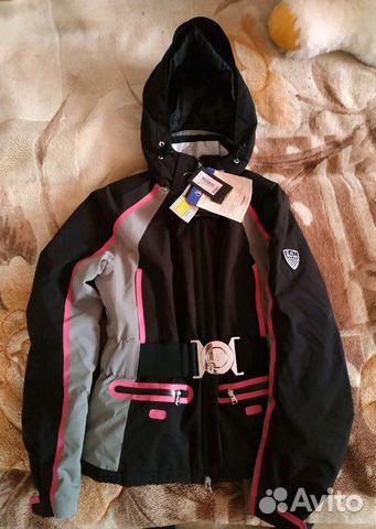 9839aa0a0688 Женская куртка Emporio Armani купить в Республике Татарстан на Avito ...